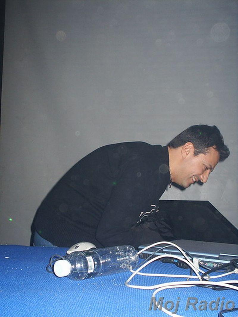 DJ MOLELA10