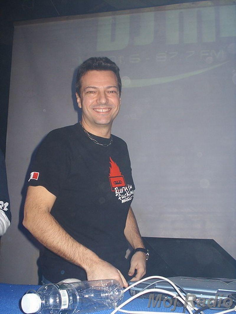 DJ MOLELA12