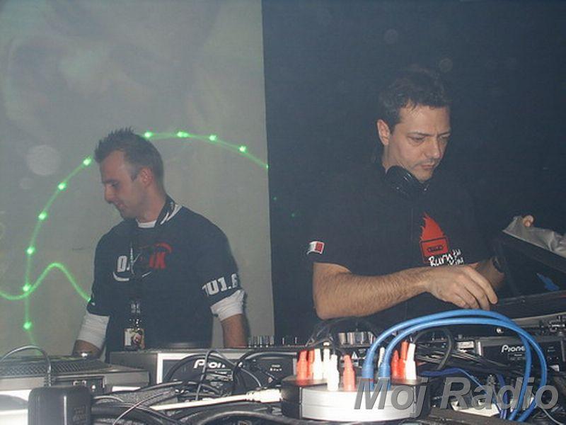 DJ MOLELA15