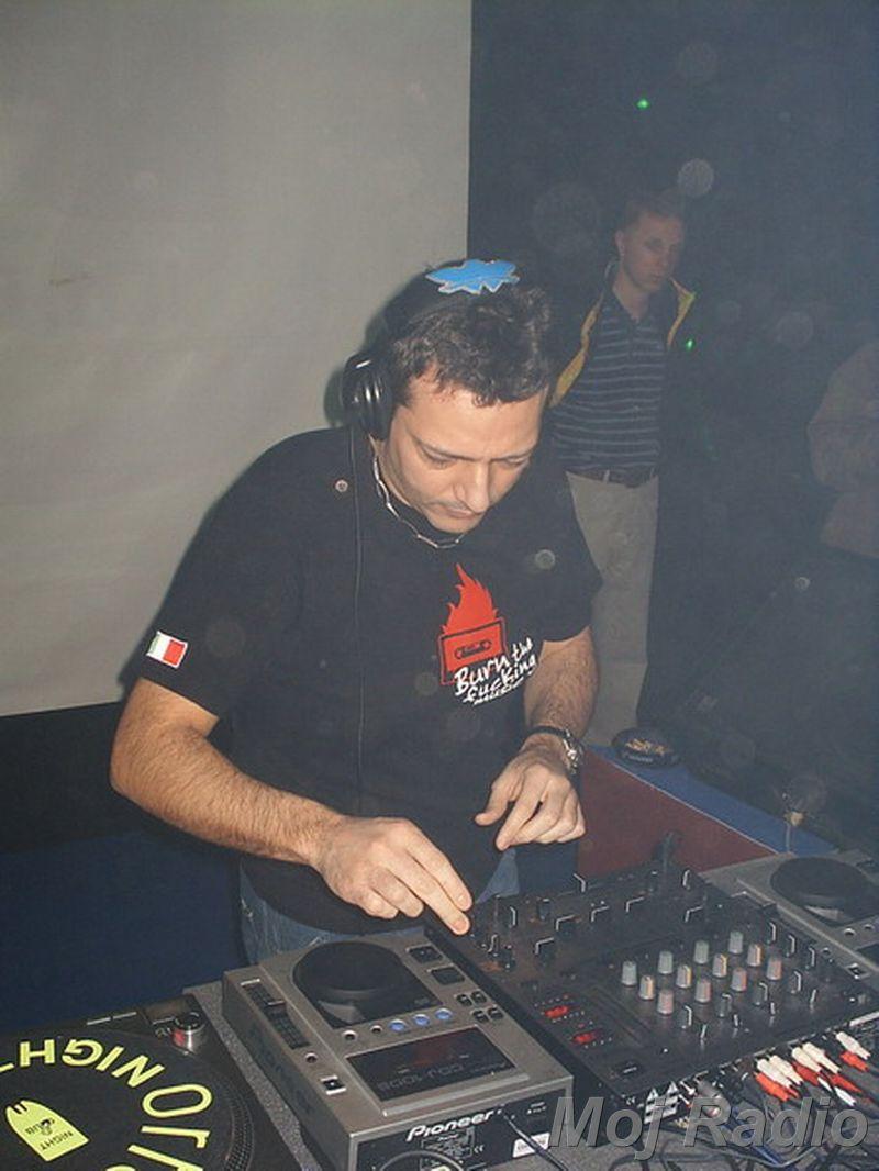 DJ MOLELA21