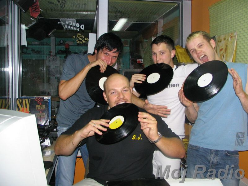 HEY MISTER DEEJAY PARTY @ MOJ RADIO August 2004 02
