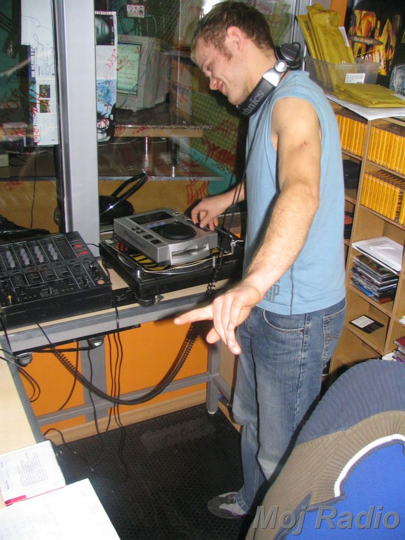 HEY MISTER DEEJAY PARTY @ MOJ RADIO August 2004 08