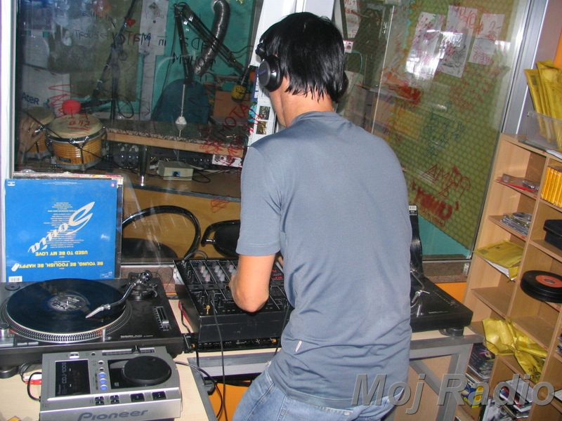 HEY MISTER DEEJAY PARTY @ MOJ RADIO August 2004 10
