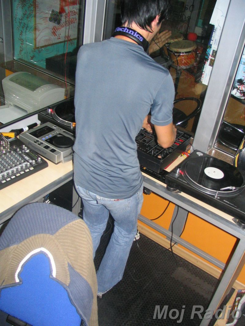 HEY MISTER DEEJAY PARTY @ MOJ RADIO August 2004 11