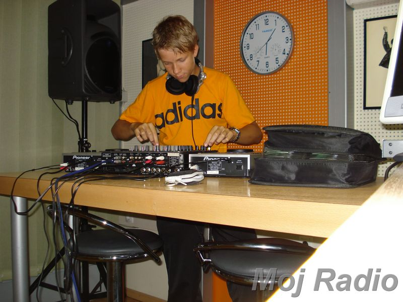 HEY MISTER DEEJAY PARTY MOJ RADIO August 2008 01