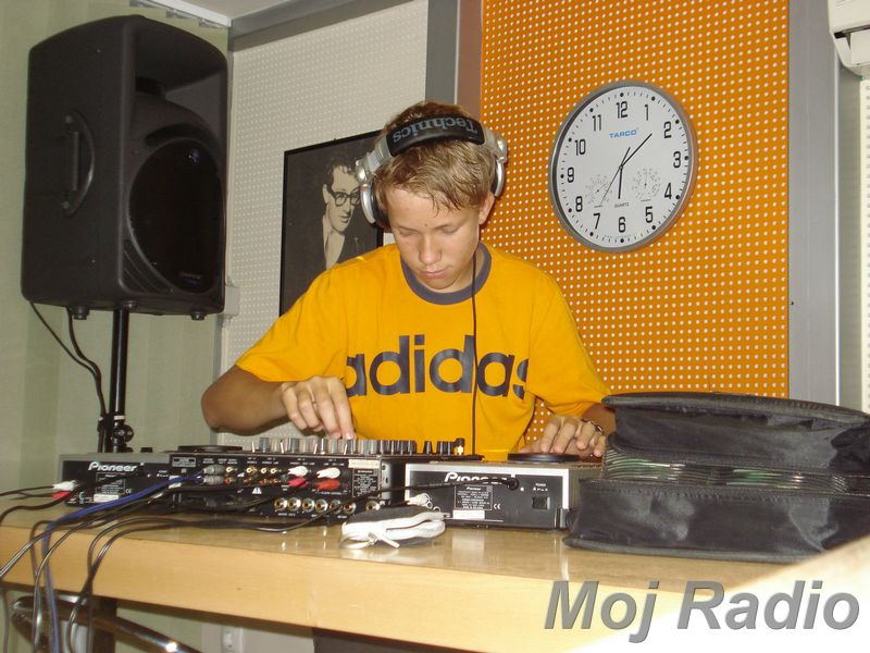 HEY MISTER DEEJAY PARTY MOJ RADIO August 2008 02