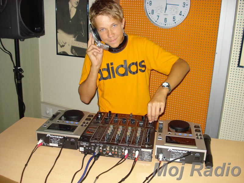 HEY MISTER DEEJAY PARTY MOJ RADIO August 2008 03