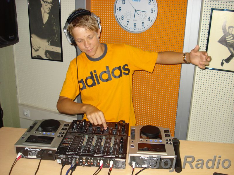 HEY MISTER DEEJAY PARTY MOJ RADIO August 2008 05
