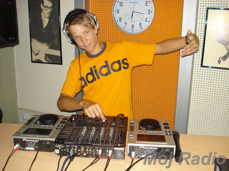 HEY MISTER DEEJAY PARTY MOJ RADIO August 2008 06