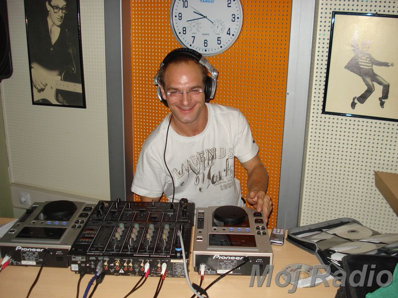 HEY MISTER DEEJAY PARTY MOJ RADIO August 2008 09