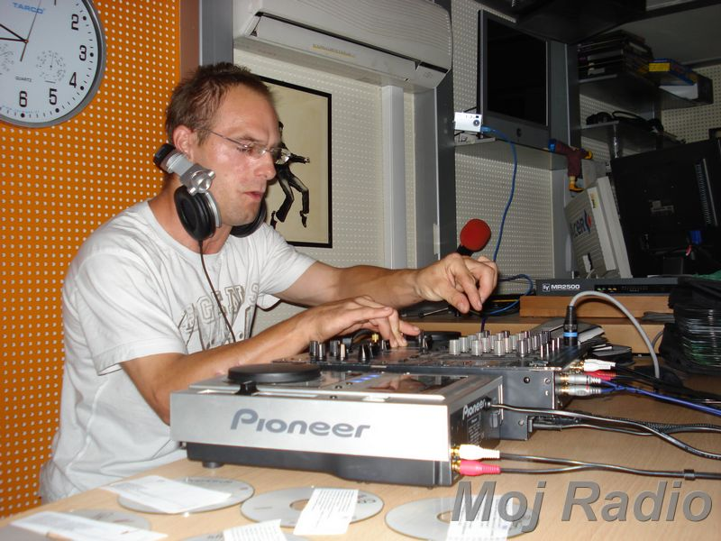 HEY MISTER DEEJAY PARTY MOJ RADIO August 2008 14