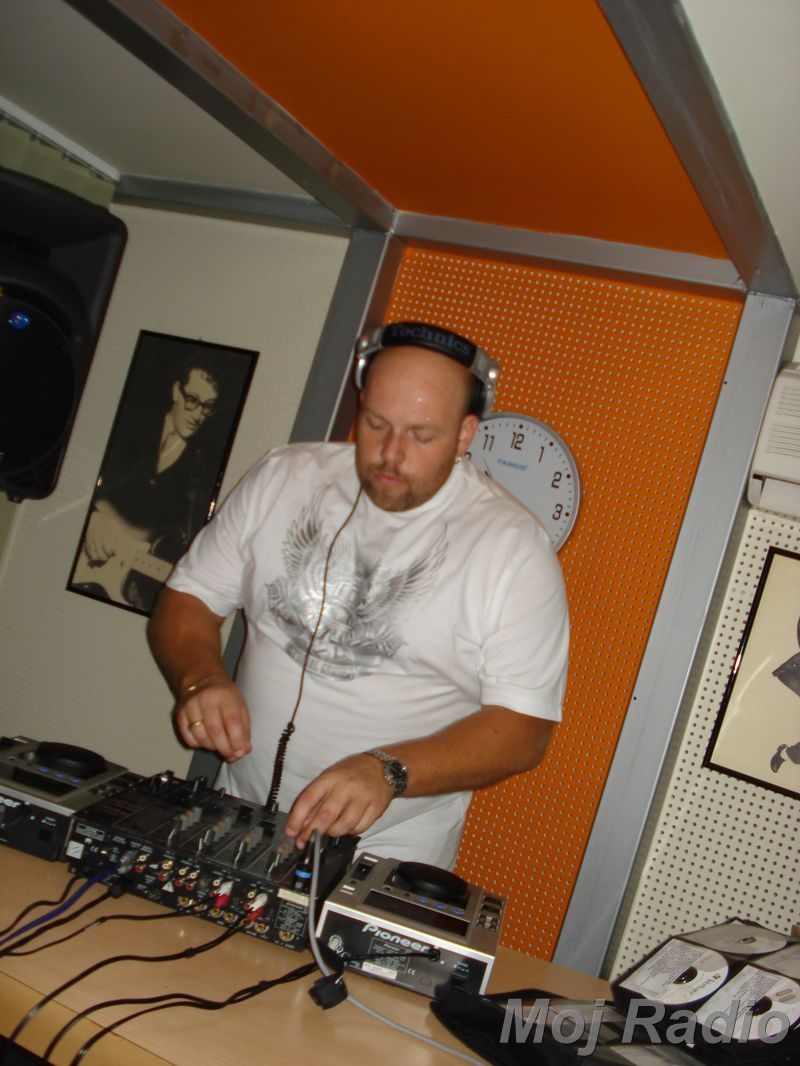 HEY MISTER DEEJAY PARTY MOJ RADIO August 2008 17