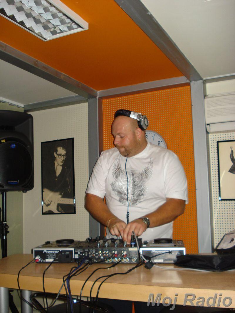 HEY MISTER DEEJAY PARTY MOJ RADIO August 2008 18