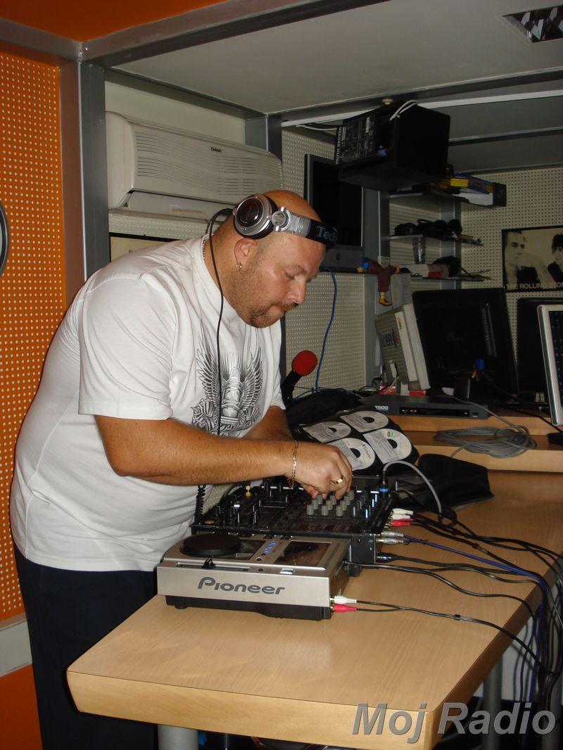 HEY MISTER DEEJAY PARTY MOJ RADIO August 2008 19