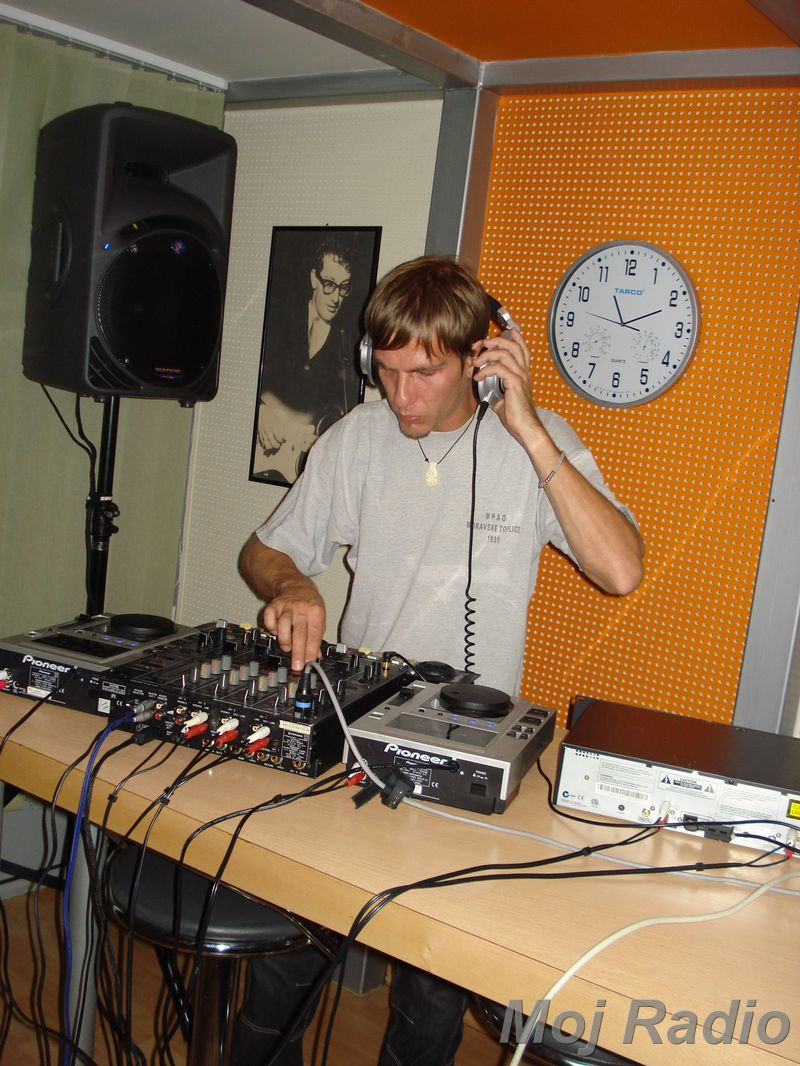 HEY MISTER DEEJAY PARTY MOJ RADIO August 2008 22
