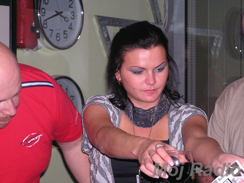 3 KRALJI in Katja (Bar Show) 10